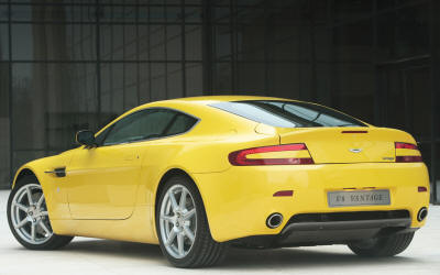 Aston Martin V8 Vantage Yellow colours
